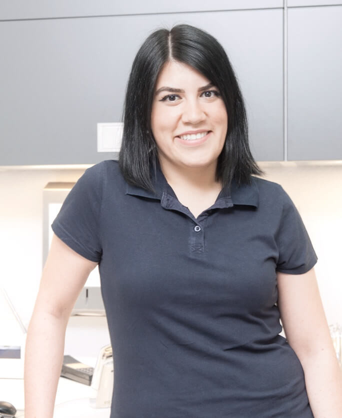 Rabi Yilmaz – Dental Assistant / Treatment